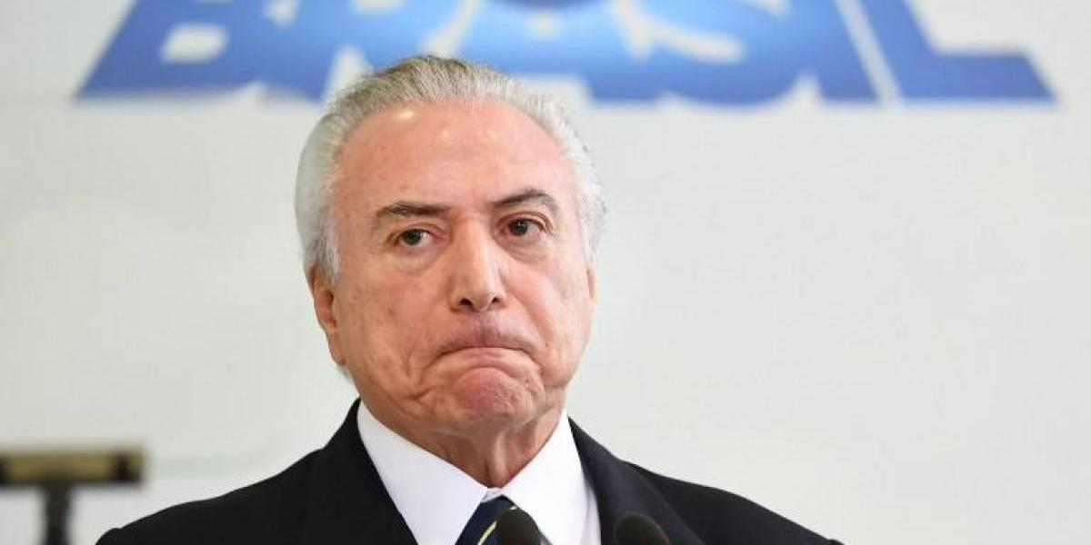 Bolsa de Sao Paulo interrumpió operaciones por desplome ante crisis política