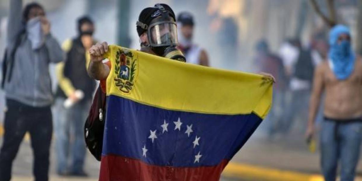 Dispersan nuevas marchas contra Maduro