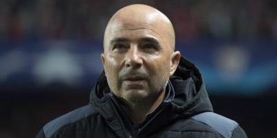 Jorge Sampaoli se despidió del Sevilla con silbidos y una goleada