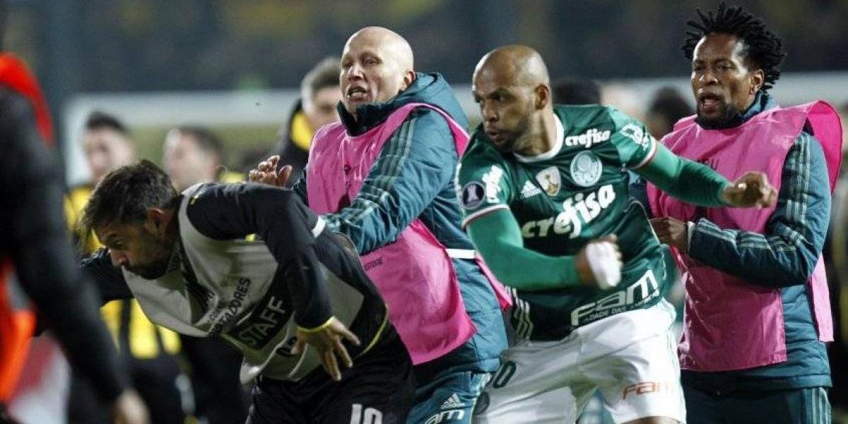 Peñarol recibe un blando castigo por dura pelea ante Palmeiras en la Libertadores
