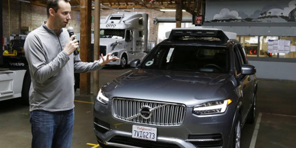 Uber amenaza con despedir a ejecutivo por disputa con Waymo