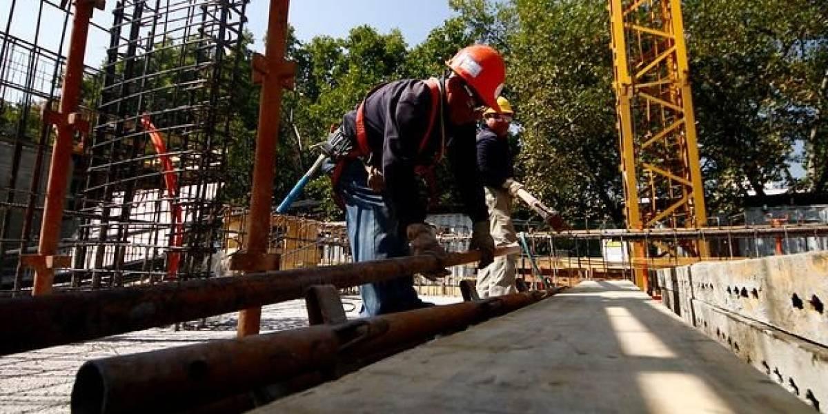 Cifras históricas: desempleo en el Gran Santiago baja al 7,2%