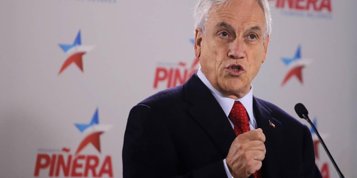 """Piñera responde a Bachelet: """"Estoy pensando en Chile y en sacarlo del pantano"""""""