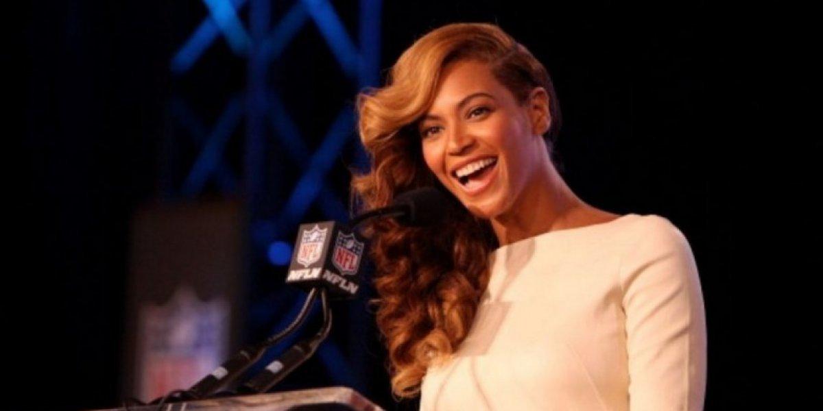 Beyoncé llora al visitar a las víctimas del huracán Harvey