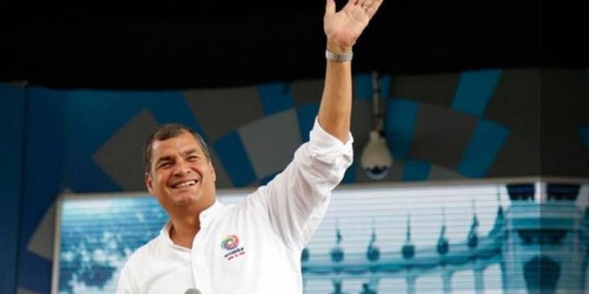 Rafael Correa abandonó el hospital Carlos Andrade Marín