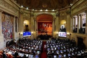 Por ausencias aplazan proyecto que castiga inasistencias de congresistas