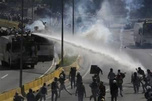 Otro muerto en medio de protestas en Venezuela
