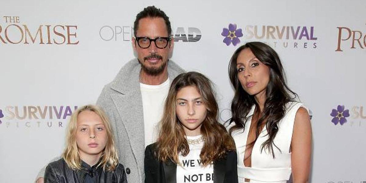 Familia de Chris Cornell da estremecedora versión del suicido del cantante