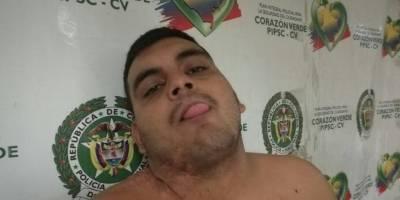 Lo capturan y saca la lengua para la foto policial en Barranquilla