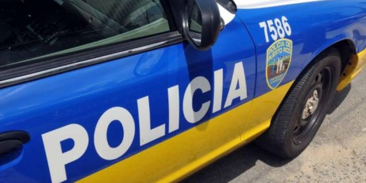 Reportan carro volcado en dirección de Río Grande a Fajardo