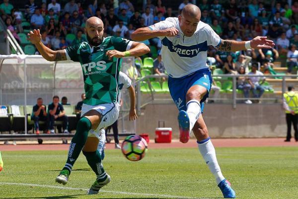 Federico Pérez, uno de los jugadores con mayor cantidad de minutos en el último semestre, no fue renovado por el Decano / Photosport