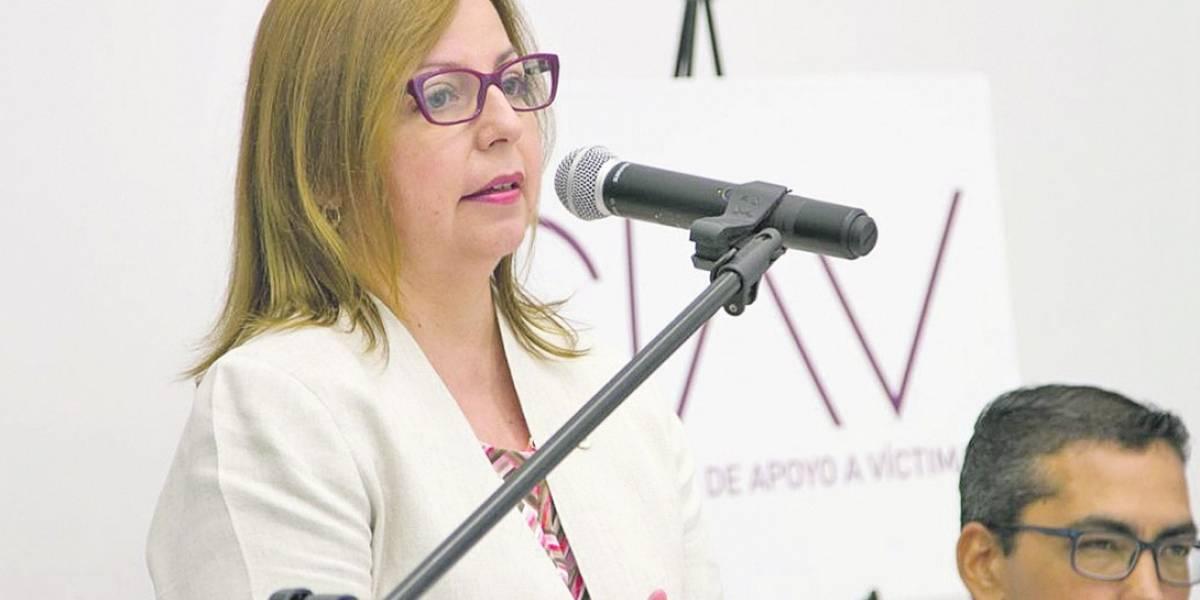 Rectora podría salvarse de ir al tribunal tras renuncia