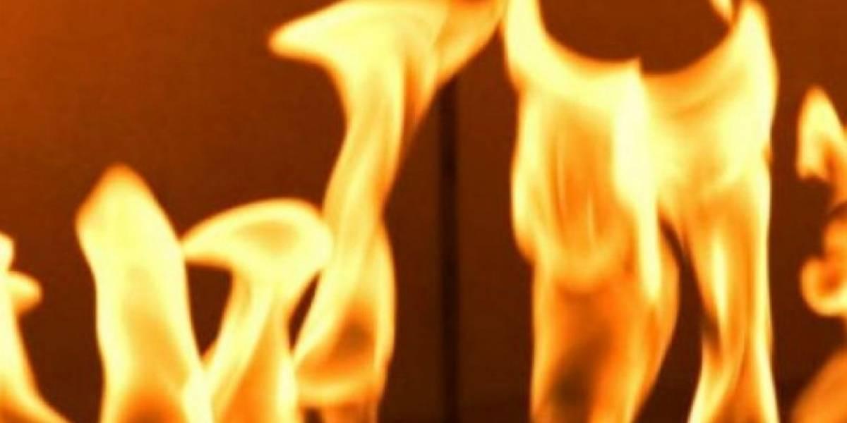 Incendian auto en cuartel de la Policía en Naranjito