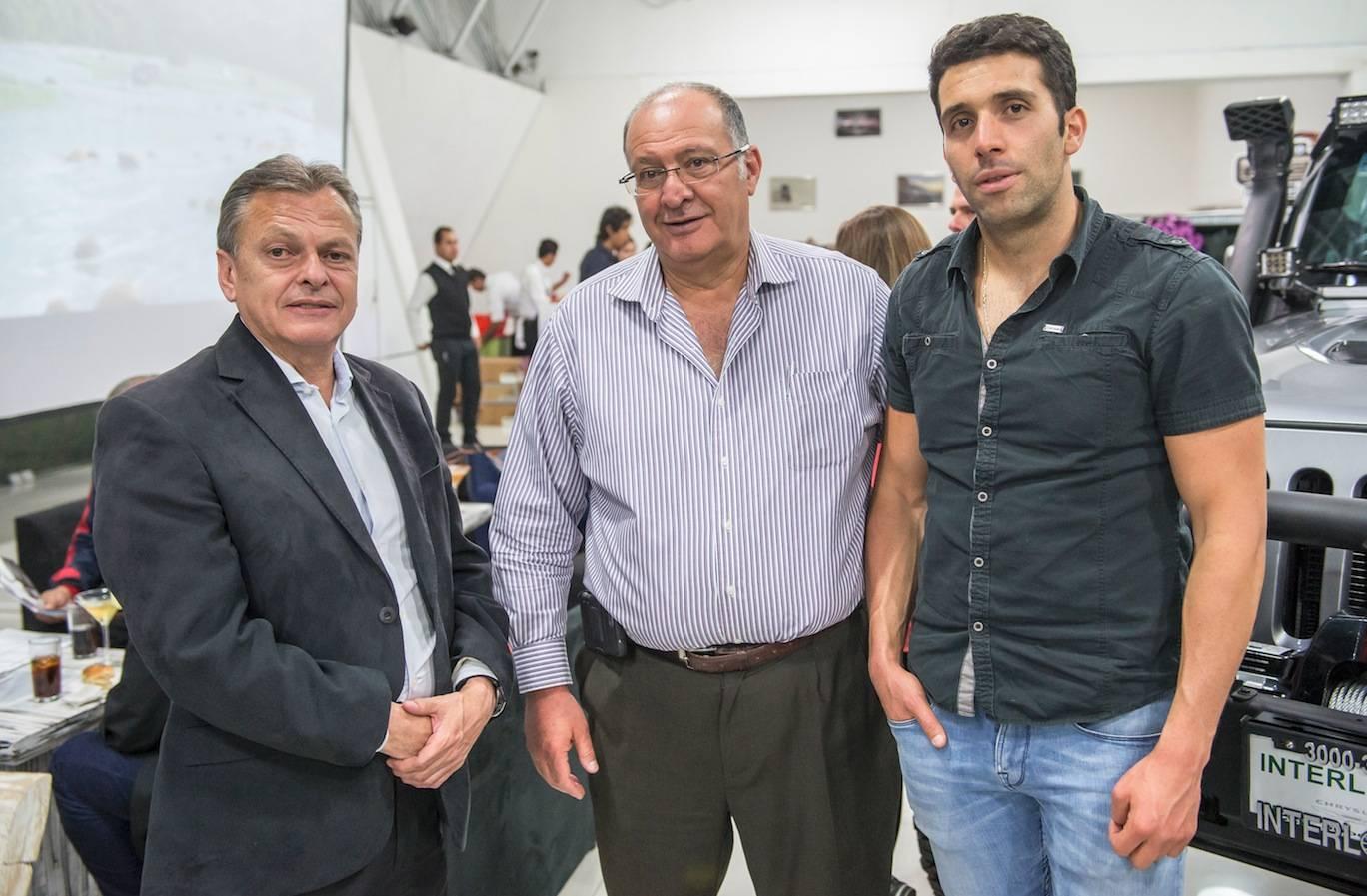 Américo Zanatta, David Behar y José Behar, disfrutaron de la velada. JDS