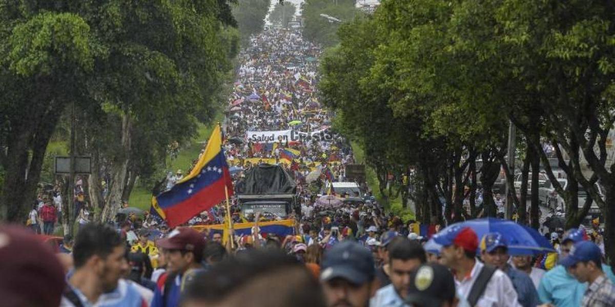 """A 50 días de protestas: Oposición venezolana se prepara para hacer su """"mayor demostración de fuerza"""""""