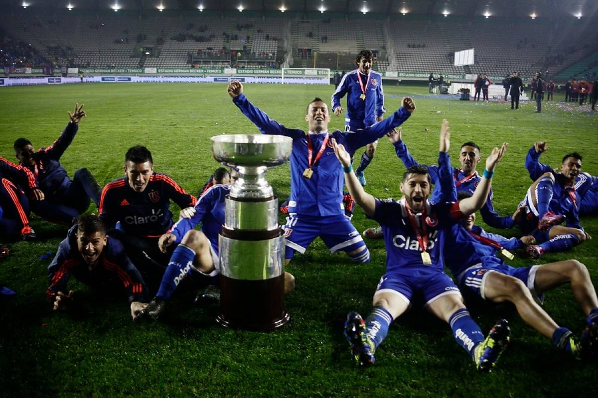 En 2015, con Martín Lasarte en el banco, sumaron su primera Supercopa de Chile / Agencia UNO