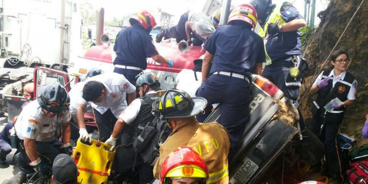 Video de extraordinaria labor de bomberos en ruta Interamericana se hace viral