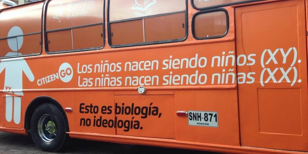 El bus de HazteOir que enfrentó a cristianos, a la población LGBTI y feministas en la Plaza de Bolívar