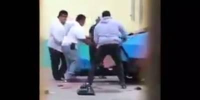 VIDEO: Miembros de la familia Alvarado destrozan auto de Último Guerrero