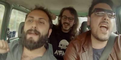 El delirante video viral de tres amigos italianos que odian el hit