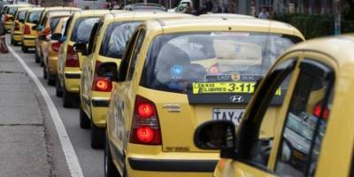 En agosto inicia desmonte de taximetros en Bogotá