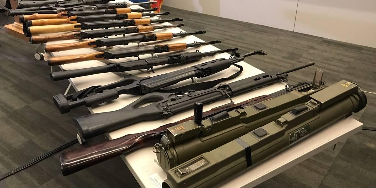 Habitantes de Los Ángeles canjean más de 800 armas por efectivo o tarjetas de regalo