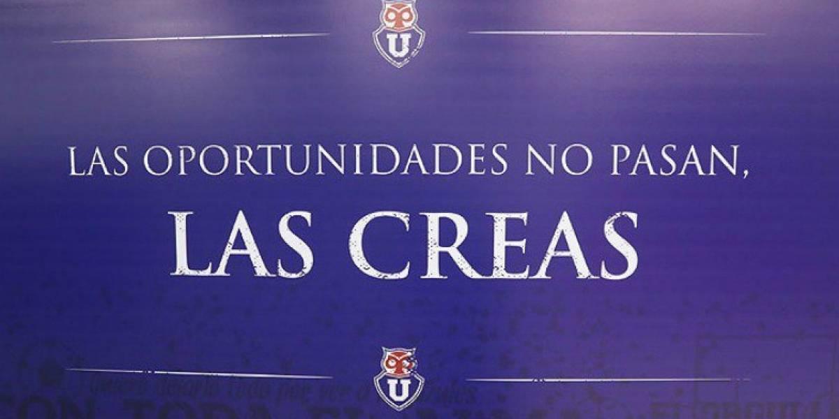 La última de Hoyos: Empapeló el camarín de la U en el Nacional con frases motivacionales