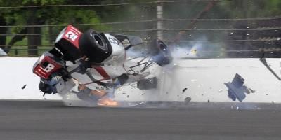 Piloto sufre terrible accidente a más de 370 km/h