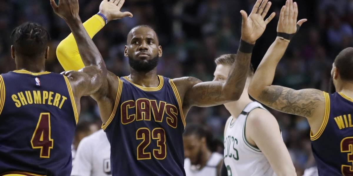 Cavaliers arrasan a Boston con histórico marcador