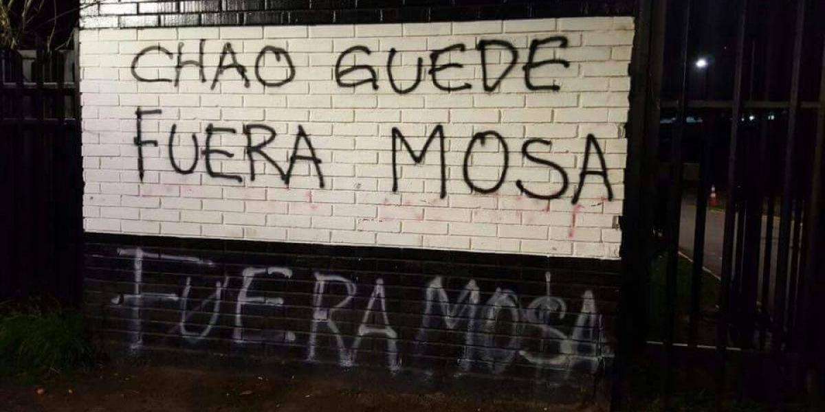 Remezón en Colo Colo: Rayados contra Mosa y Guede en el Monumental