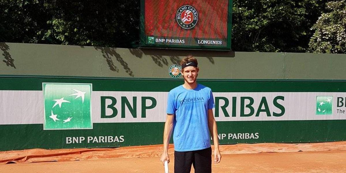 Nicolás Jarry y Christian Garín debutan este lunes en la qualy de Roland Garros