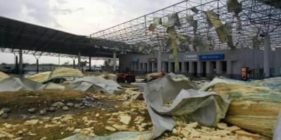 Arrasa tornado con puente de Nuevo Laredo