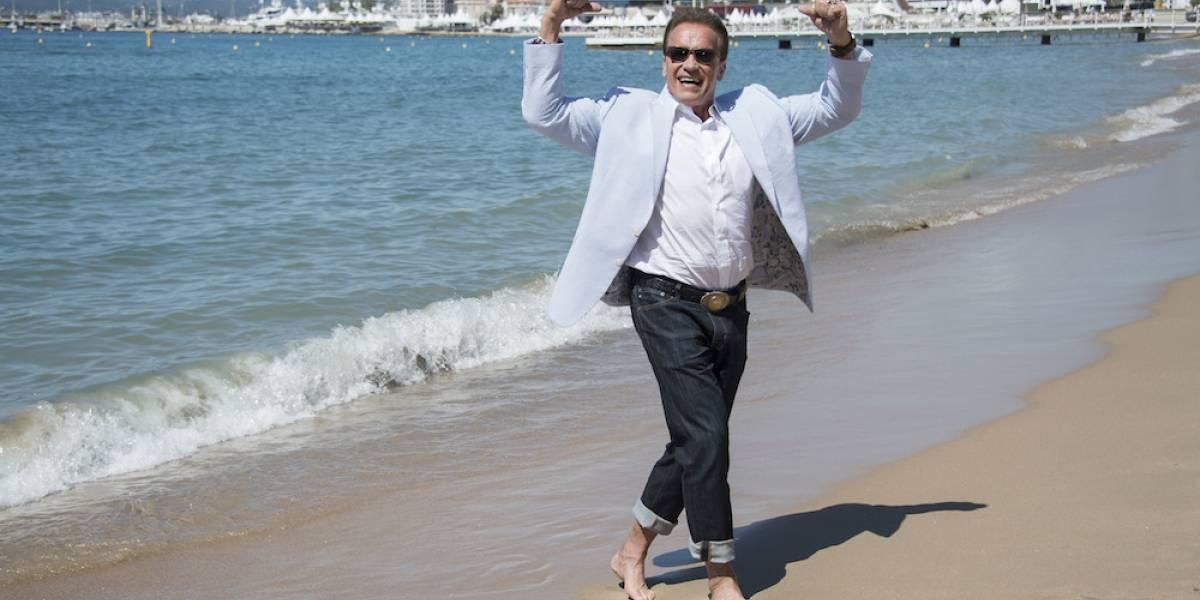 """""""Trump devuelve a Estados Unidos a la Edad de Piedra"""": Schwarzenegger"""