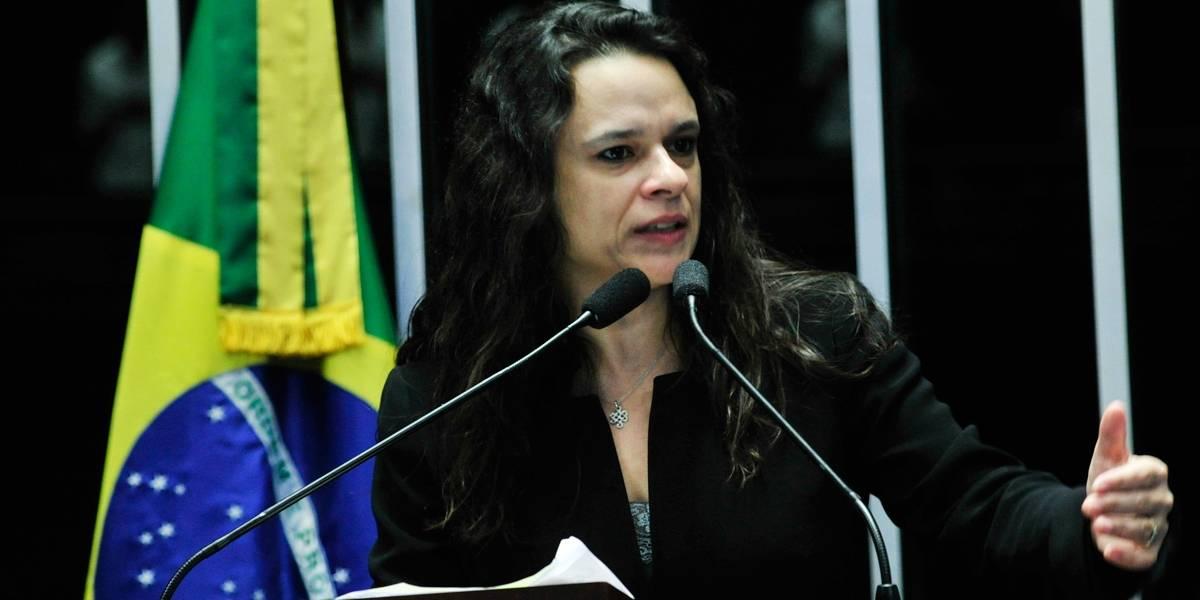 Chefe de departamento da USP processa Janaina Paschoal por difamação