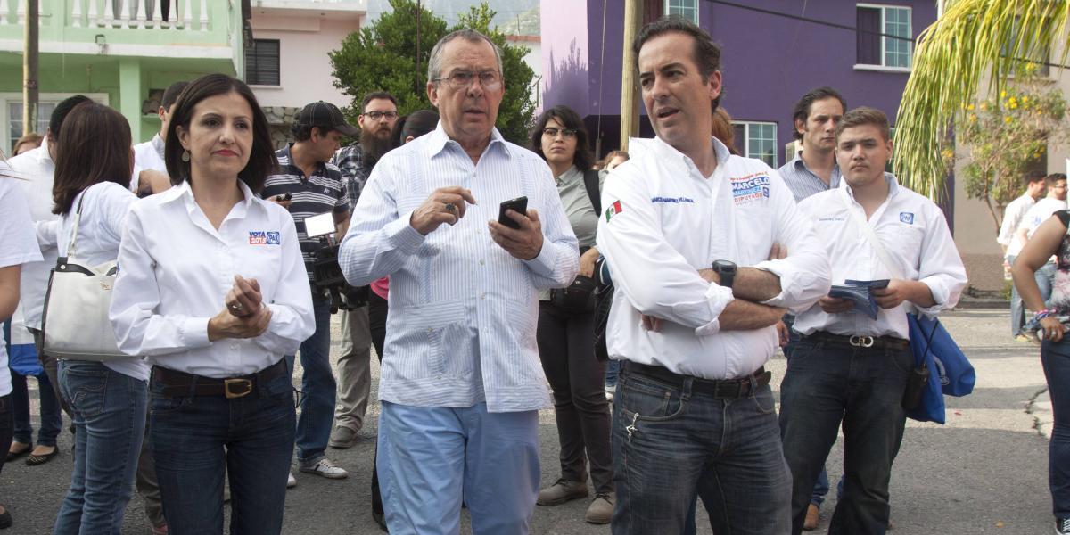 Critican mediante mensajes de WhatsApp al alcalde de San Pedro