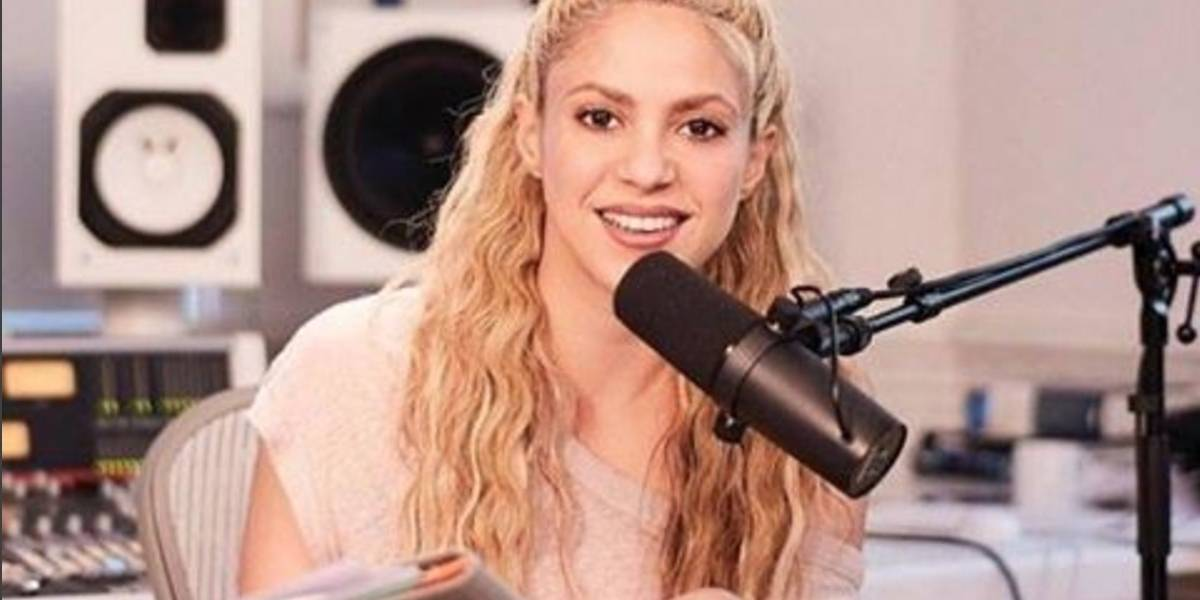 Shakira debuta como locutora de radio