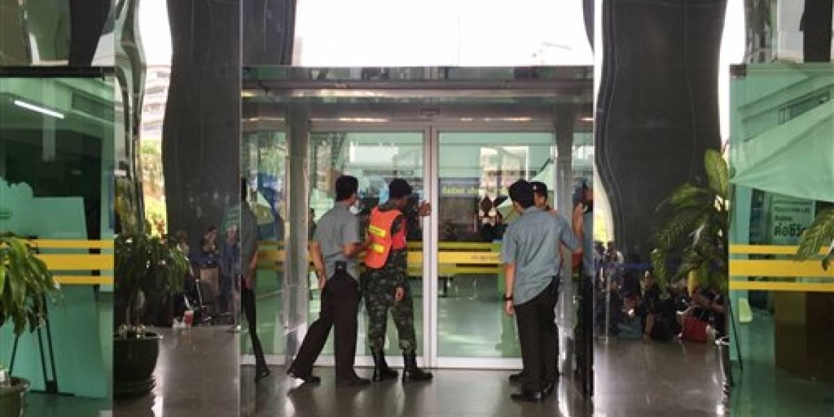 Explota bomba en hospital de Tailandia