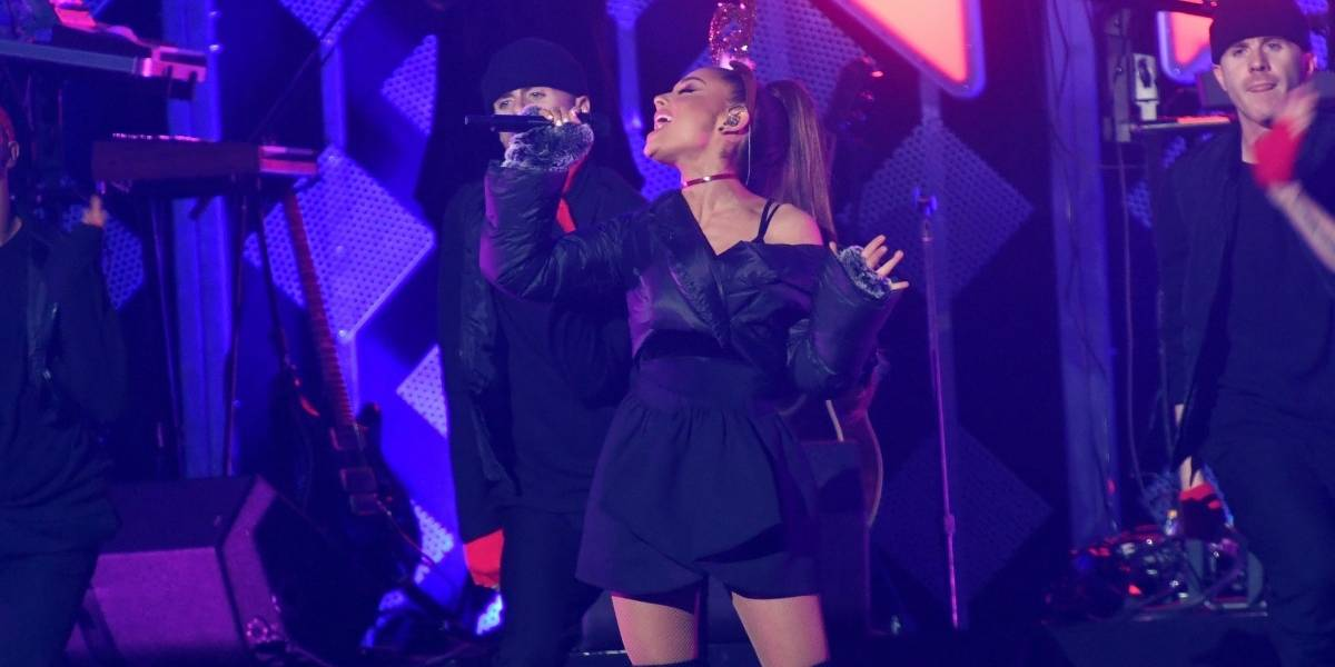 Cantante que abría el show de Ariana Grande confirma por twitter que está bien