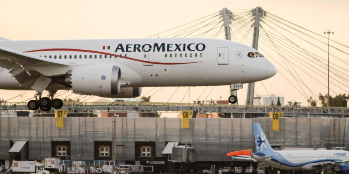 Positivo, proyecto sobre asignación de horarios de despegue y aterrizaje: Aeroméxico
