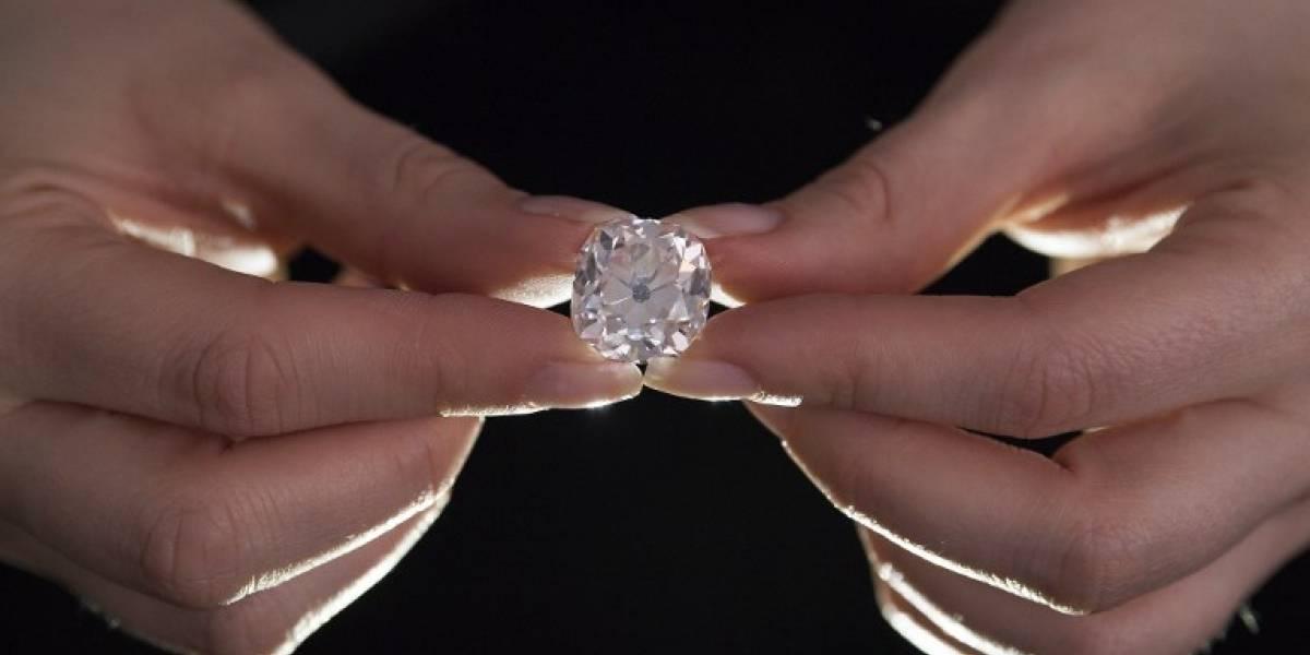 Compró un anillo por casi $9 mil cuyo diamante podría llegar a valer más de $300 millones