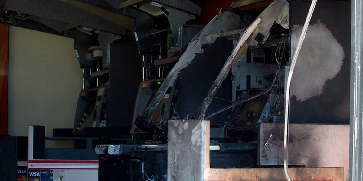 Fallido robo de cajero automático en La Reina: delincuente habría resultado con quemaduras en rostro y brazos