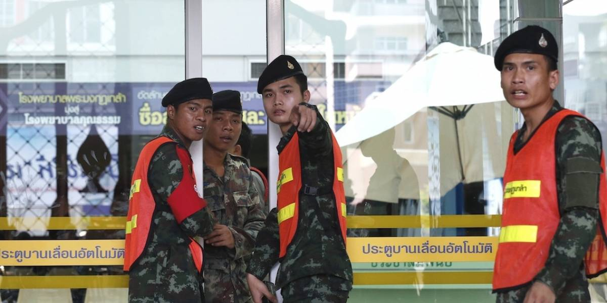 21 heridos en un atentado en Bangkok en el aniversario del golpe militar