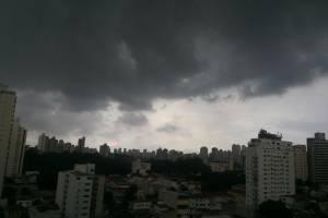 Chuva já passou da média para o mês de maio na capital paulista