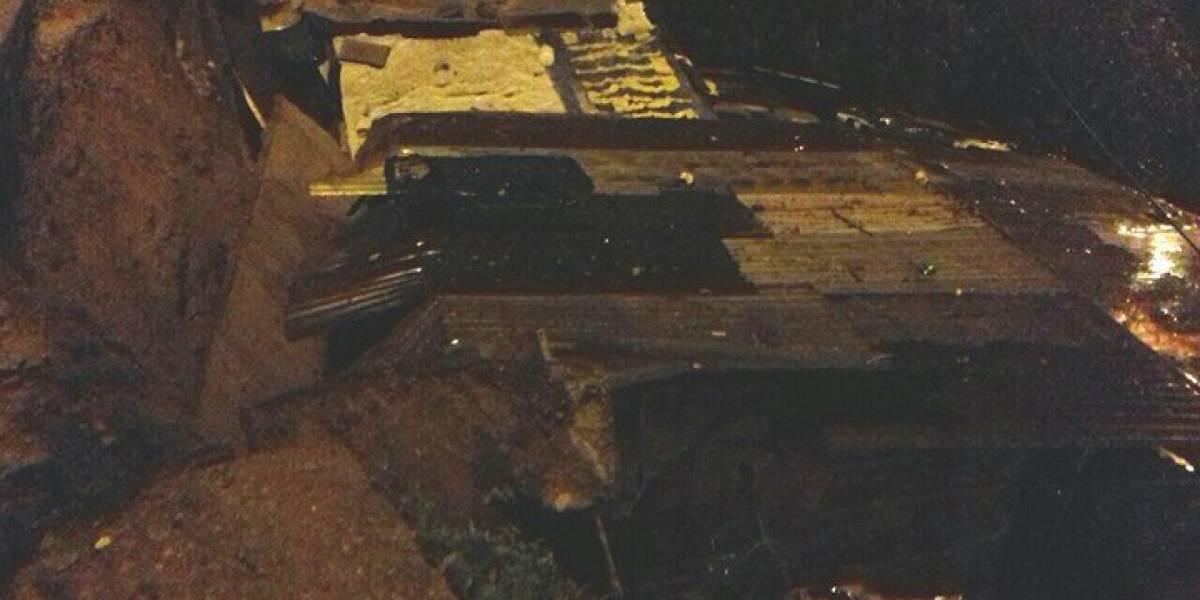 Se registra colapso de drenajes y derrumbe en zona 18 debido a la lluvia