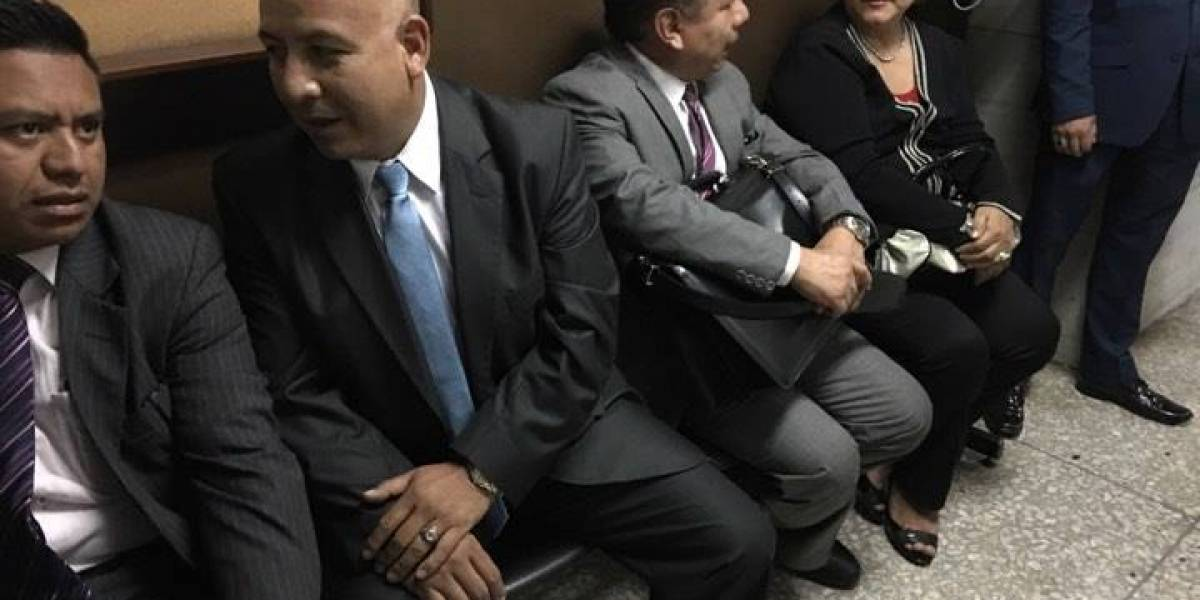 """Exdiputado Luis Chávez """"saluda"""" a la justicia tras haber sido condenado, pero sin ir a la cárcel"""