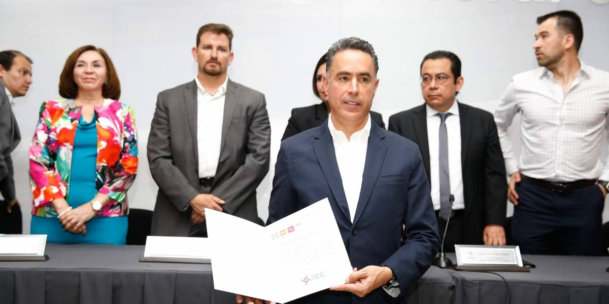Acusan a candidato del PAN en Coahuila de tener cuentas millonarias; él lo niega