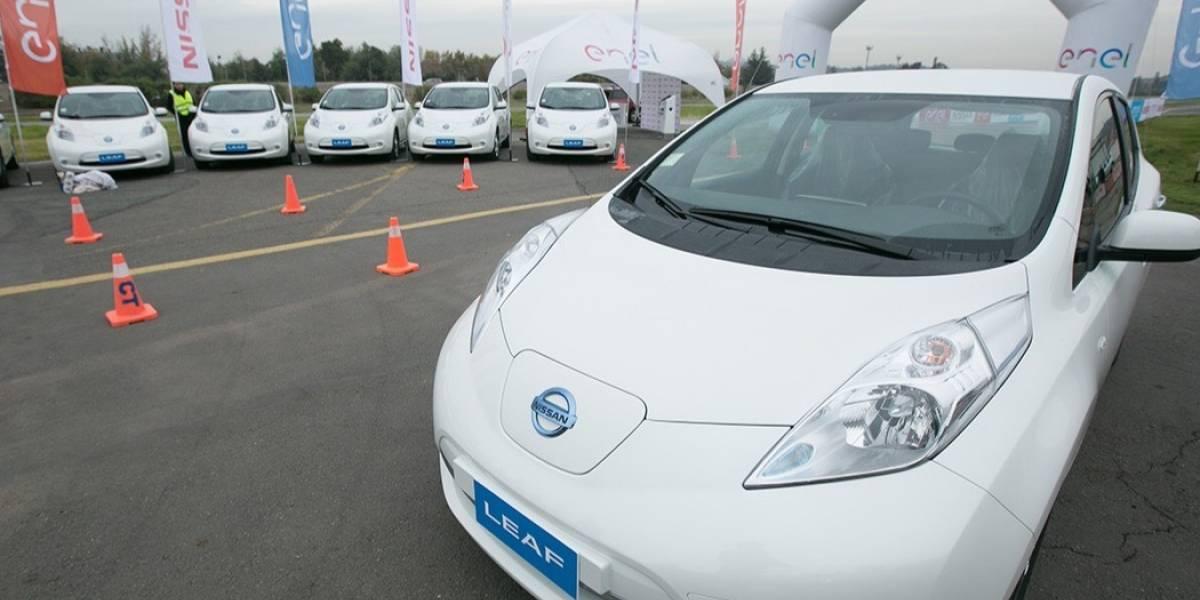 Nissan entrega 25 autos eléctricos a Enel