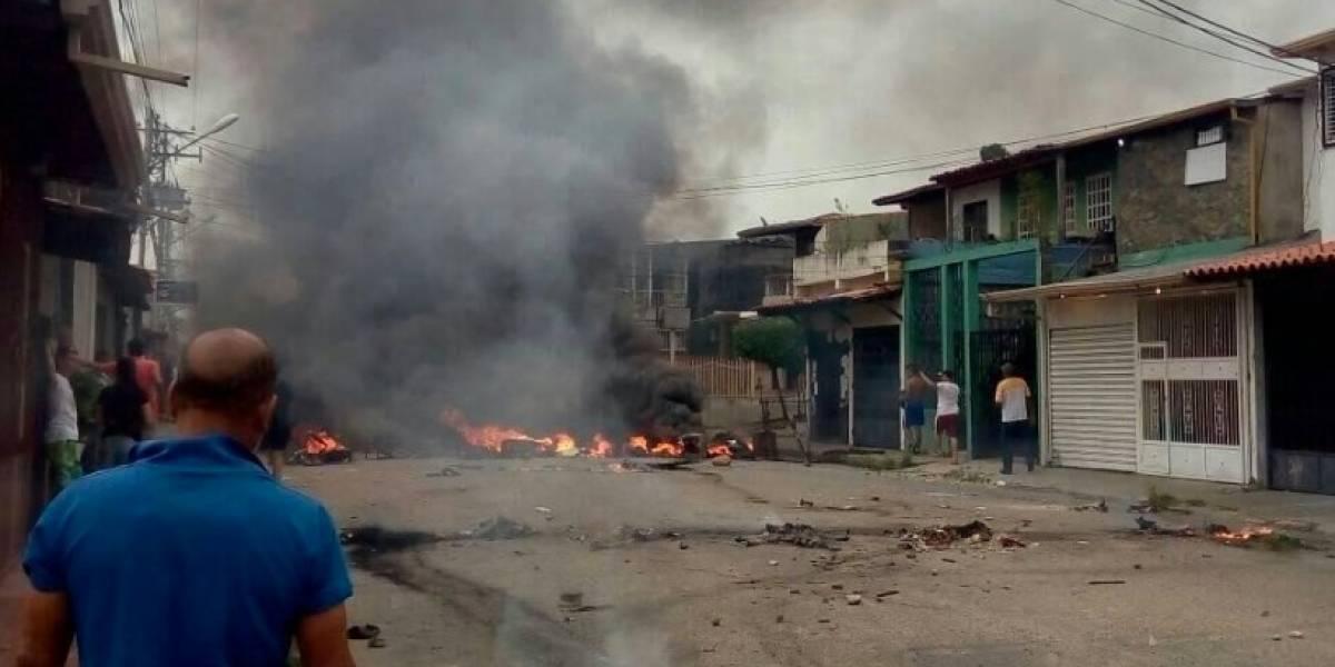 Manifestantes incendian casa donde creció Hugo Chávez en Venezuela