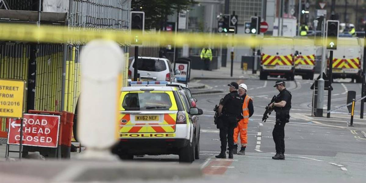 """Reina Isabel II consternada tras atentado en Manchester: """"Es un acto de barbarie"""""""