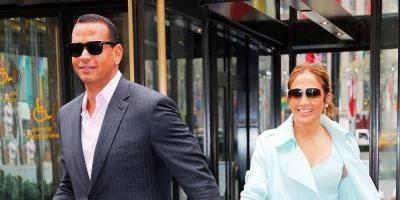 Jennifer Lopez publica imágenes apasionadas con su pareja